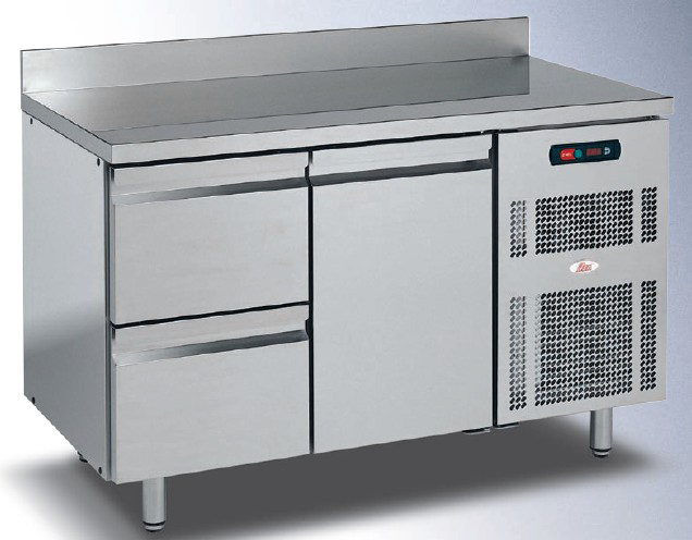 Isa REFRIGERATED COUNTERS